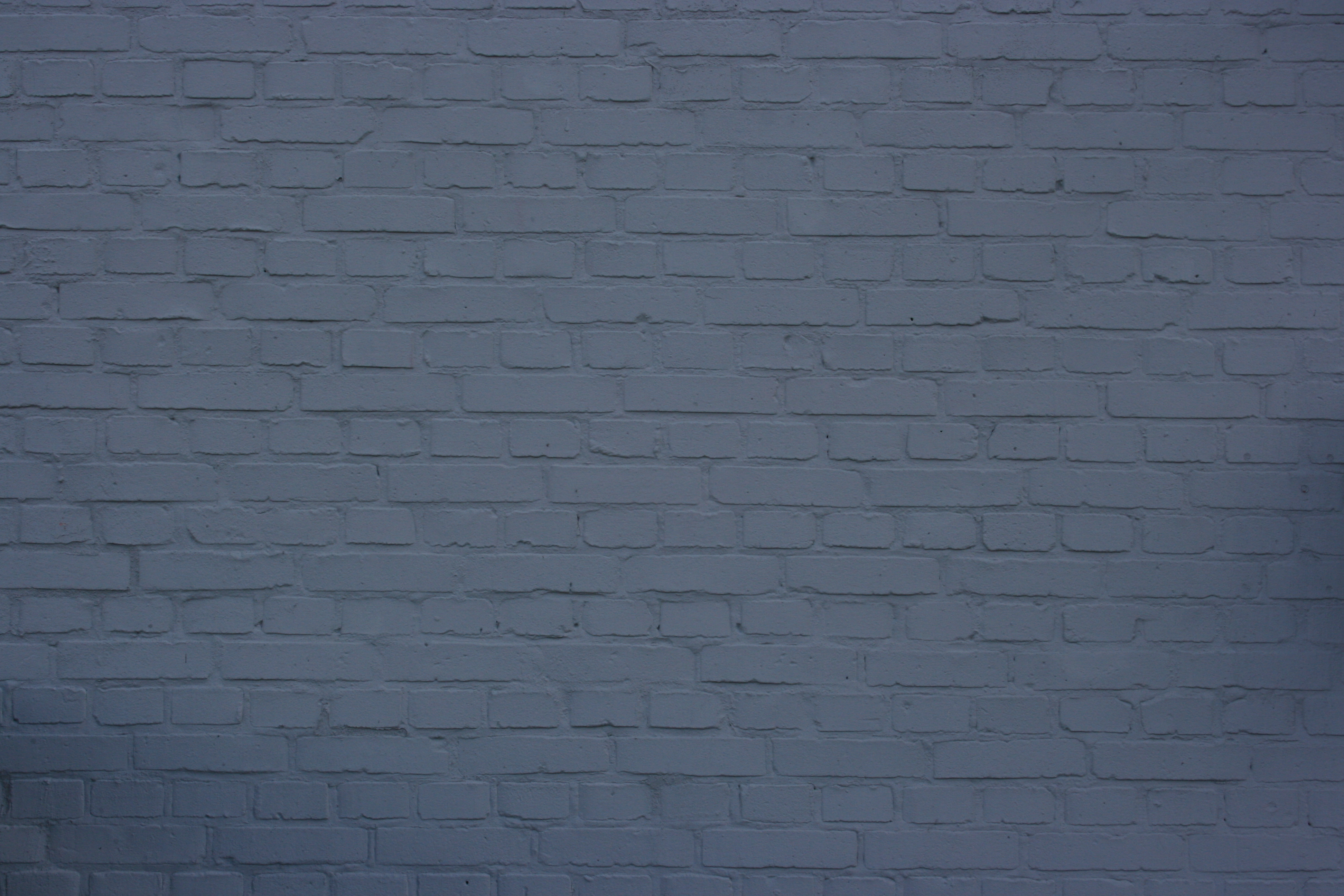 Hvid mur med maling